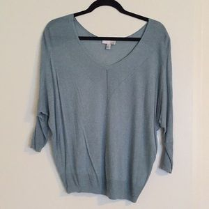 Lightweight sweater with ribbed accents